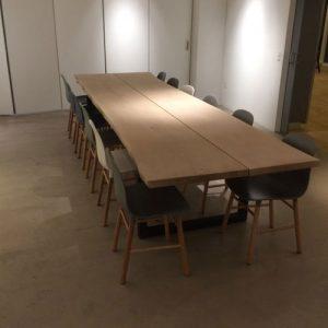 Specialt byggede bord, møde bord